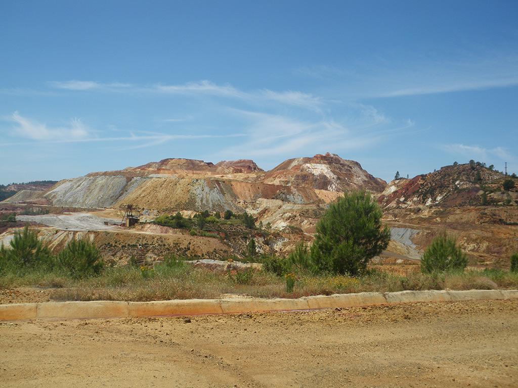 Cerro Colorado y escolleras