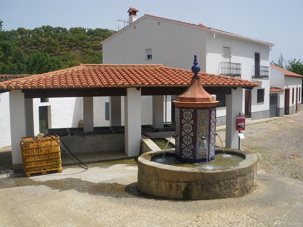 Lavadero y Fuente de los Tres Caños, en Sta Ana la Real